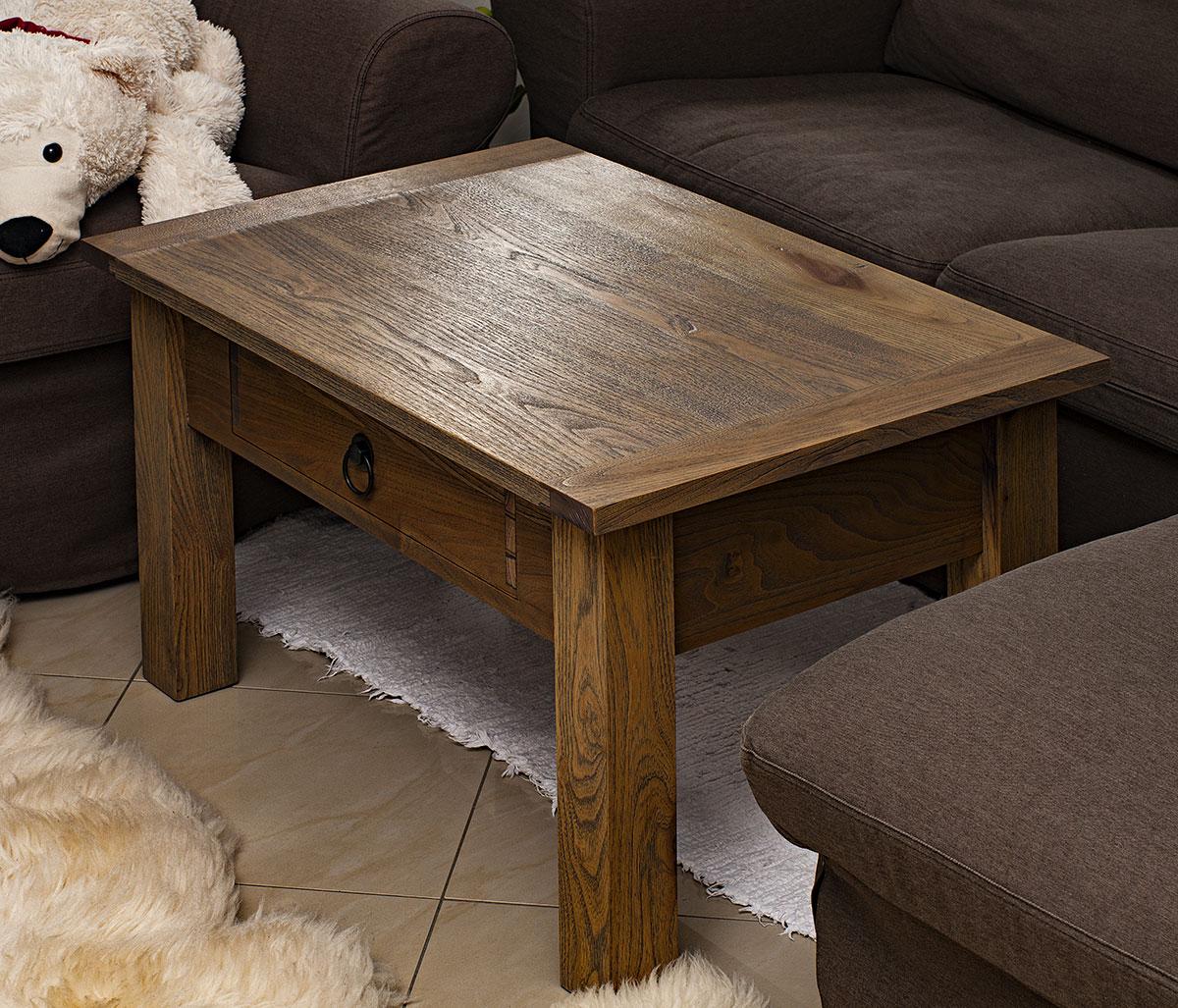 Odhalený stolík